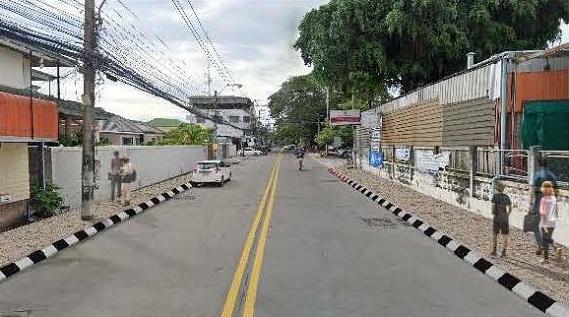 ก่อสร้างทางเท้าโซนนาเกลือ